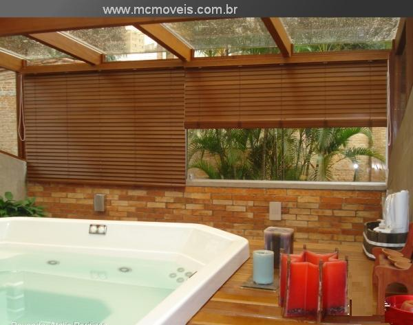 persiana-de-madeira-tingida