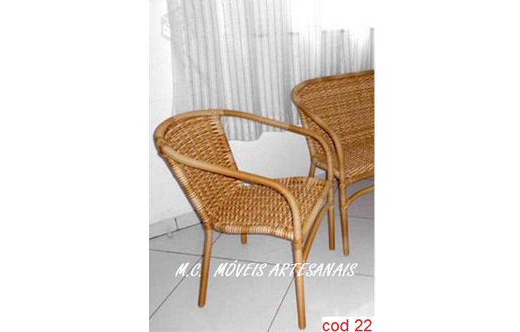 22-cadeira-fibra-sintetica-aluminio-1-min