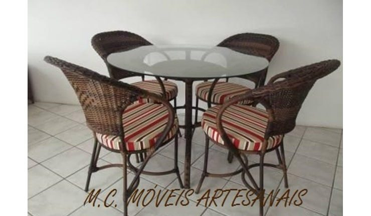 conjunto-mesa-cadeiras-fibra-sintética