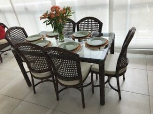 jogo mesa rattan e  cadeiras